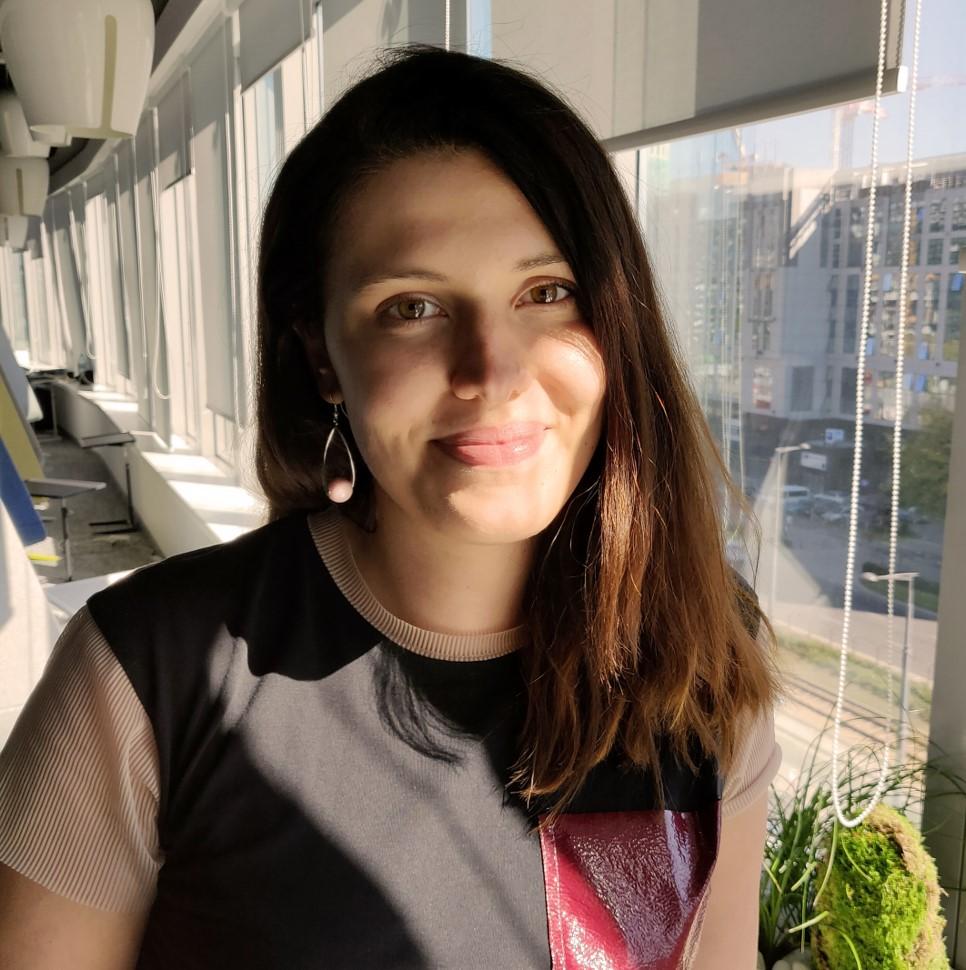 MONIKA KAZIMIERCZAK<br> Graphic Designer